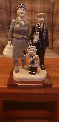 Maw , Paw and the Bairn 2007. Figure from the Broons & Oor Wullie collection.