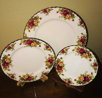 Royal Albert Old Country Roses 3-Piece Plate Set