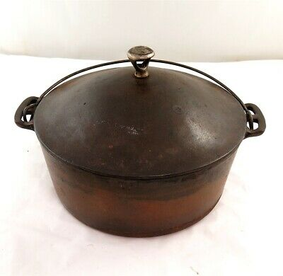 Vintage Wagner Ware Sidney #8 Cast Iron Round Roaster