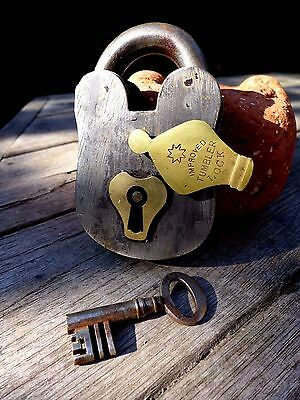 Antique Vintage Padlock with one key working order hobby collector rare 25-09