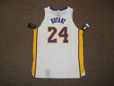 Kobe Bryant Los Angeles Lakers White Authentic Nike Jersey sz 52 w  tags dc9d67f87