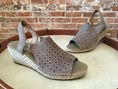 8a4d7be659 Clarks Artisan Sage Green Leather Petrina Gail Espadrille Wedge Sandal New