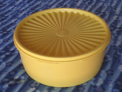Vintage TUPPERWAE Biscuit cake taker storage canister YELLOW 21cm D