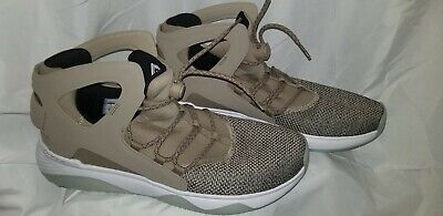 439fefd2ded0 NIKE AIR FLIGHT Huarache Ultra 880856-200 Trooper Sz11.5 Beige High ...