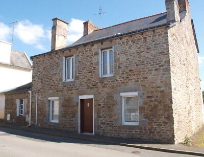 4 bedroomed townhouse in Plémet Brittany