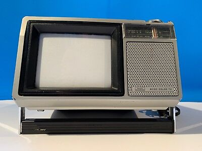 Vintage Sears Roebuck AC/DC Portable Color Television 564-40000150 UHF-VHF