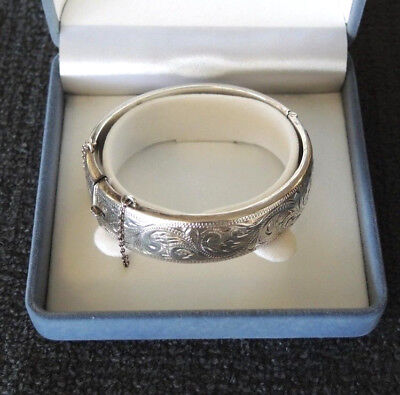 1960s SCANDIA AUSTRALIA STERLING SILVER VICTORIAN STYLE HINGED BANGLE 25 gms #12