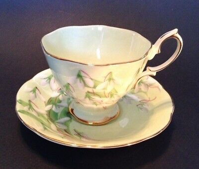 Royal Albert Pedestal Tea Cup And Saucer - Green - Laurentian Snowdrop - England