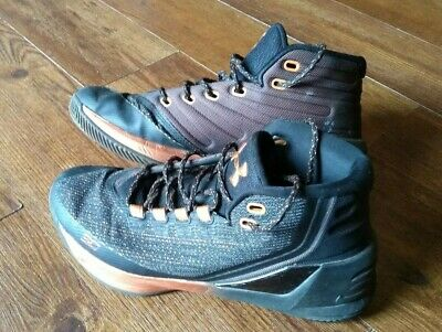 3c2612c49a58 Under Armour Curry High Top Basketball Sneakers Black Gold Men s Size 8