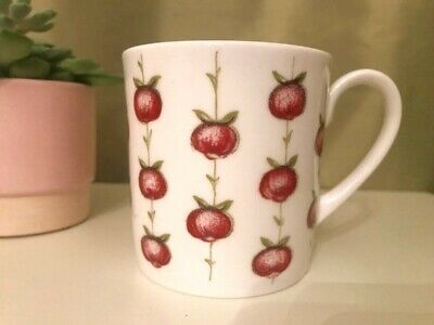 Vintage Susie Cooper 'Apple Gay' Cup in Very Good Condition