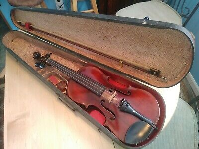 Antique violin copy of a Stradivarius 4/4.