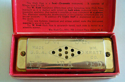 Vintage musical instrument W. Kratt chromatic pitch pipe in orig. box U.S.A.