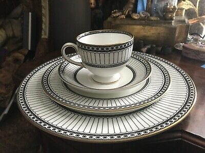 Wedgwood Colonnade Black Bone China 4 Piece Place Setting Made In England