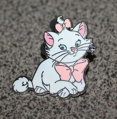 Disney Pin Marie From Cats Booster Set Aristocats Laying Down With Crossed Paws