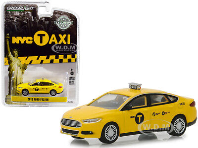 2017 Ford Fusion Nyc Taxi York City Yellow 1 64 Cast Car Greenlight
