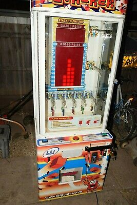 STACKER By LAI GAMES 2004, COIN ACCEPT $2.00 per play.