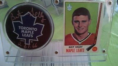 BRIT SELBY AUTOGRAPH TORONTO MAPLE LEAFS PUCK with STAND AND CARD...BEAUTIFUL