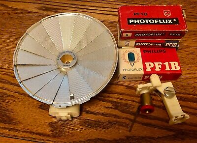 Leitz Wetzlar Chico shoe mount fan type flash for Leica with 20 flash bulbs