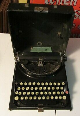 Black Remington Portable Typewriter -  Good Condition *read* / Needs Cleaning