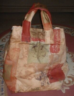 A Honiton Pillow Bag.  2 Zip Front Panel.  Padded Handles. Pillow Cover Cloth