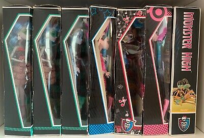 Monster High Doll : Ghoulia Abbey Skull Shores Cleo Gloom Beach Draculaura Abbey