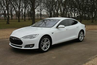2014 Tesla Model S 85 kWh Battery 1 Owner MSRP New $88720 One Owner Perfect Cafax 85 kWh Battery Michelin Tires MSRP New $88720