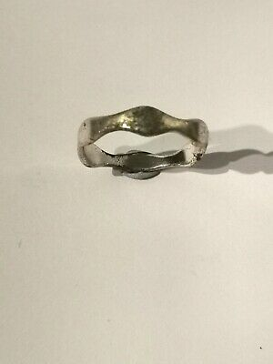 Silver Tone Wavy Ring - Metal Detecting Find