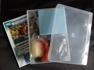 Fox Needle Felt Kit in A4 plastic box British Wool