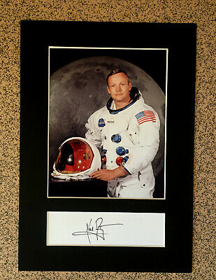 """Neil Armstrong (APOLLO 11) - """"First Man On The Moon"""" - RARE Signature/Photograph"""