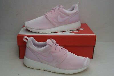d7a50d62c0921 Nike Roshe One Big Kids Casual Shoes Arctic Pink Sail 599729-617 Girls Size  6.5