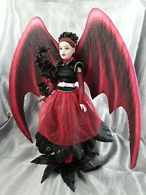 Tonner Tiny Kitty Collier Sonia, Gothica In Red