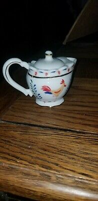 Lenox fine ivory China  Minutes or tea pot with lid roosters decor beautiful