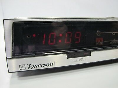 VTG Emerson RED5710B Deluxe FM/AM/TV Sound/WB Dual Alarm/Calendar Clock Radio
