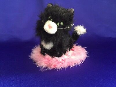 Authentic American Girl Doll Licorice Cat & Bed