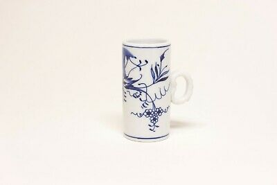 Blue Onion pattern porcelain measuring cup, Germany