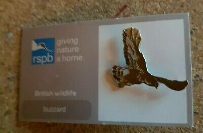 RSPB pin badge - buzzard 001 - giving nature a home