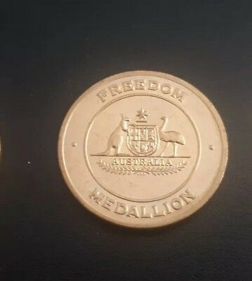 1995 Australia Remembers Freedom Medallion1945 - 1995  Gold Plated