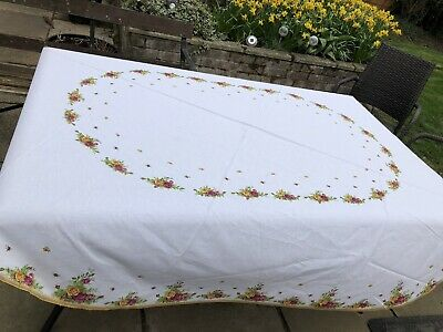 ROYAL ALBERT OLD COUNTRY ROSE COTTON POLYESTER Oval Table Cloth