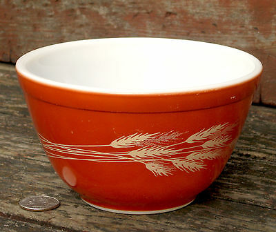 PYREX vintage AUTUMN HARVEST grain WHEAT 401 mixing nesting BOWL 750mL rust red