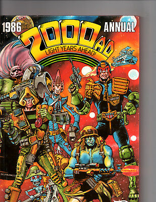 2000 AD Present Judge Dredd  Light Years Ahead - The Year #1986 Fleetway Annual