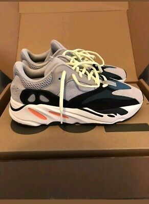 """Yeezy boost 700 """"wave runner"""" taille 35 à 46"""