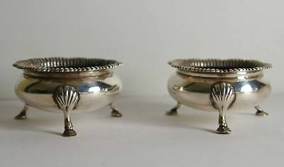 Pr Of Early Victorian Solid Silver Cauldron Salts -133g - Lond 1852.