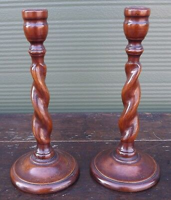 Pair of Vintage Oak Barley Twist Candlesticks (h:25cm)