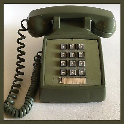 Vintage Western Electric Telephone 1970's 12 Push Button 2500 - Green
