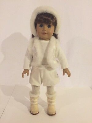 AMERICAN GIRL Molly? Doll White Wintry Winter Outfit Retired
