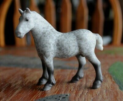 Breyer Stablemate #5942 Mystery Foal Surprise Dapple Gray Drafter SM