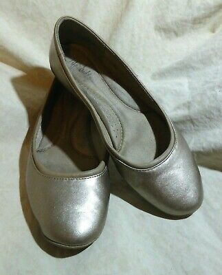 5d9681022225 LifeStride Collection Comfort Ballet Flats sz 10 M Silver Patent Leatherette