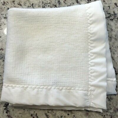 8127dbf227557 Baby Morgan White Mini Blanket Waffle Weave Acrylic Trim Vintage Made In USA