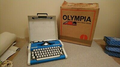 Olympia Traveller De Luxe Typewriter Portable Vintage Blue and Boxed