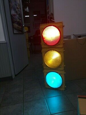 """AUTHENTIC Traffic Signal Light 12"""" Wired LED W/ Hanger TCT BRAND"""